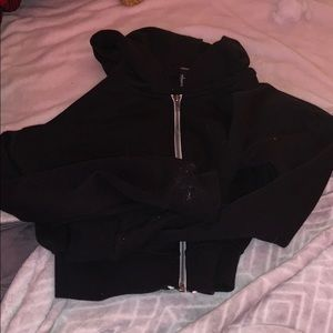 black zip up cropped hoodie